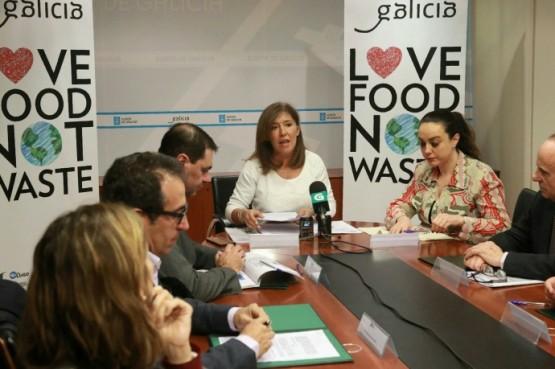 Beatriz Mato na reunión coas asociacións provinciais