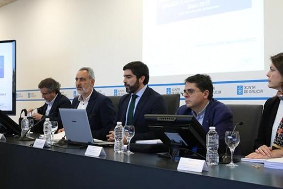 O director de Augas de Galicia na reunión en Pontevedra