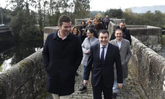 Román Rodríguez na visita á ponte Pontevea