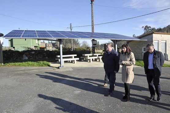 Ángeles Vázquez na visita ao concello de Irixoa. Foto: M. Fuentes