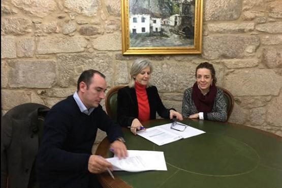 Covadonga Toca na visita ao Concello de Padrón