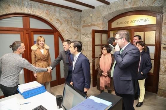 José Manuel Rey Varela na visita ao concello da Cañiza