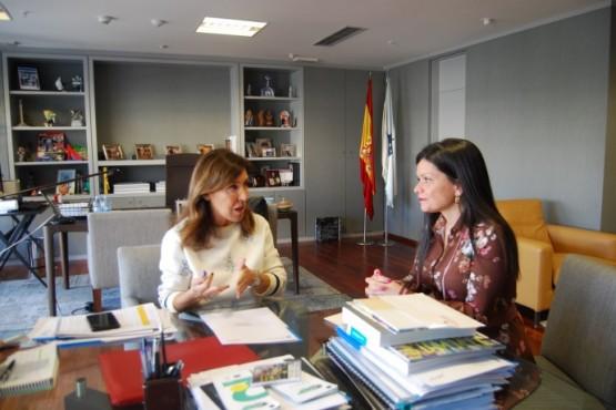 Reunión de Beatriz Mato coa alcaldesa de Mos