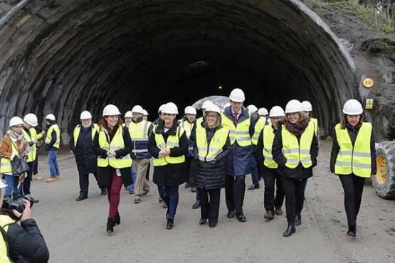 Ethel Vázquez na visita aos traballos do túnel de Montealegre