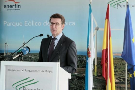 O presidente da Xunta na visita ao parque eólico de Malpica