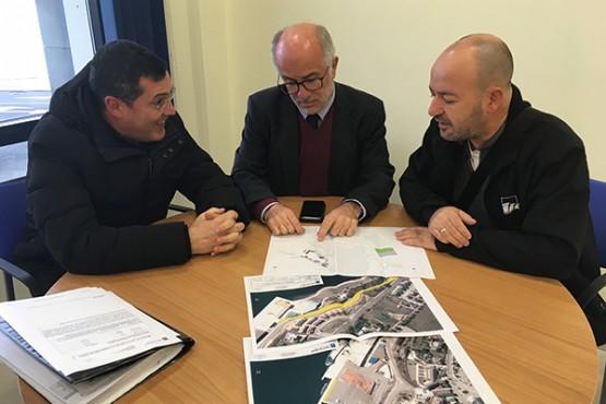 Juan José Durán na visita ás oficinas portuarias de Burela