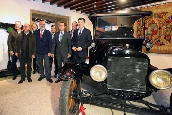 Román Rodríguez na inauguración do percorrido expositivo