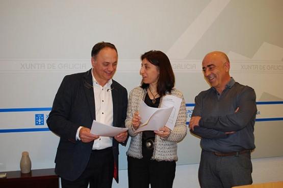 Ángeles Vázquez na reunión co alcalde de Vila de Cruces