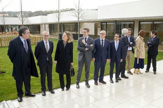 O presidente galego na visita ao centro interxeracional de ourense