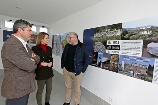 Marta Fernández-Tapias e Ovidio Rodeiro na visita ao concello de Vimianzo
