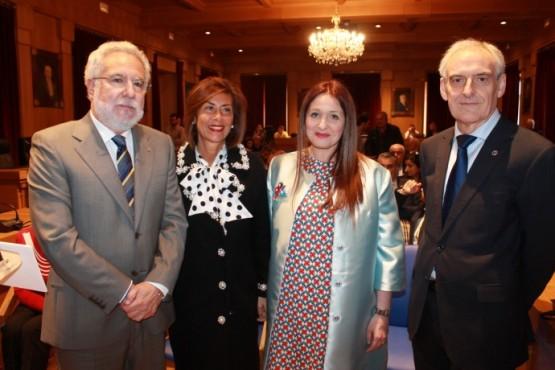 Entrega do premio á xornalista Nuria López