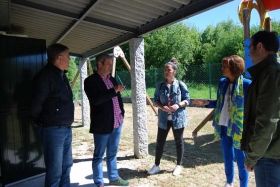 Marisol Díaz na visita á Asociación de Veciños de Lobaces