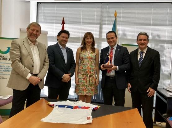 Deporte e Emigración aplauden o achegamento simbólico e deportivo do brasileiro Fortaleza Esporte Clube a Galicia no seu centenario