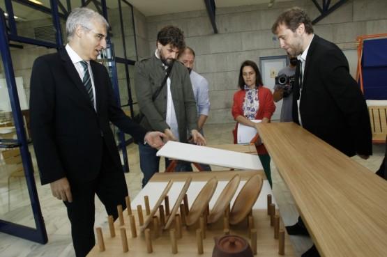 Conde na visita ao I Encontro de deseño para a innovación empresarial en Galicia