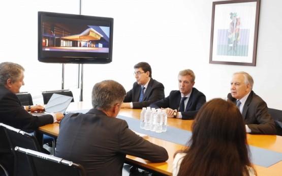 Alfonso Rueda coñece o proxecto do Casino de Vigo que xerará un incremento na actividade económica e no emprego da cidade