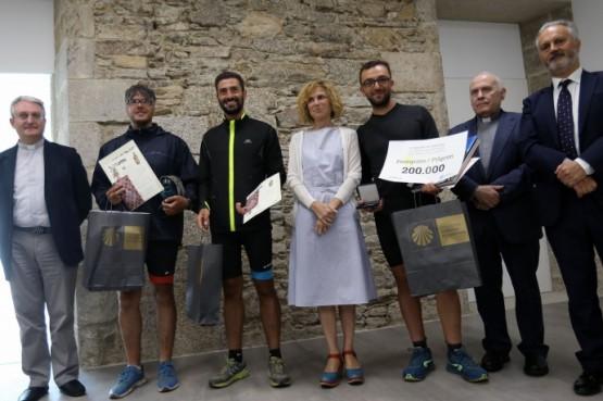 O Camiño de Santiago alcanza os 200.000 peregrinos deste ano cun cidadán italiano que completou o Camiño Francés en bicicleta