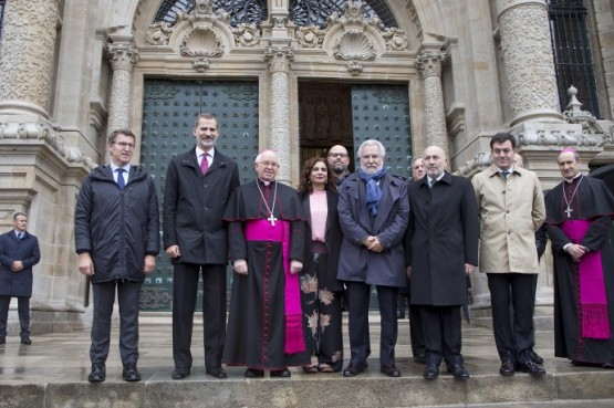 Feijóo acompaña á S.M. o Rei don Felipe VI na súa visita á catedral de Santiago