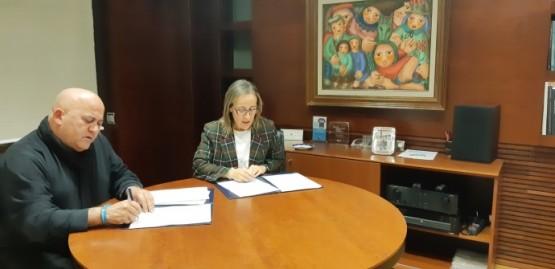 Ethel Vázquez na reunión co alcalde de Abegondo