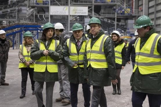 O presidente galego na visita á nova planta de recuperación de Sogama