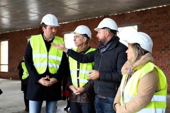 O conselleiro de Sanidade na visita ás obras de construción