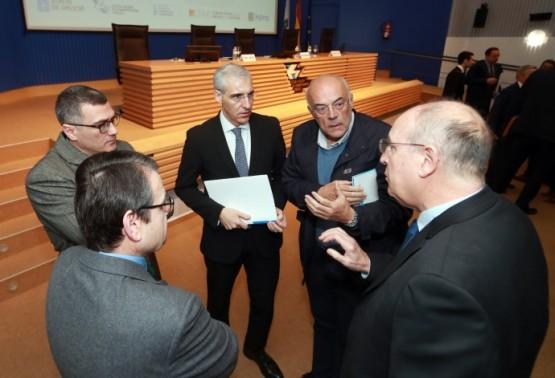 A Xunta defende a colaboración cos concellos e a CNMC para acadar un prezo do combustible competitivo