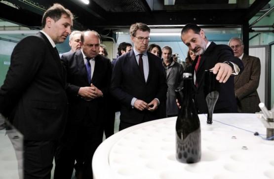 Feijóo destaca que o eido vitivinícola é un sector tradicional que emerxe e propón seguir avanzando con máis calidade, innovación e exportacións