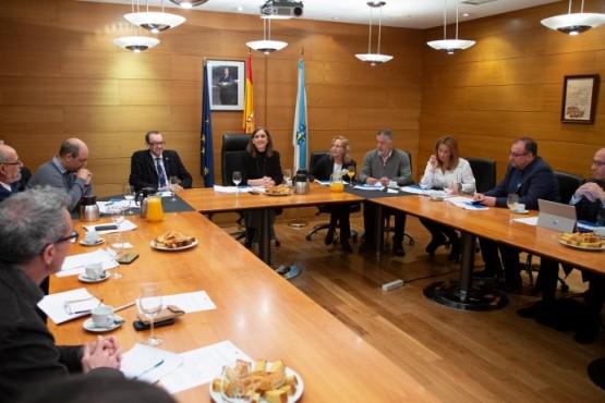 Carmen Pomar na xuntanza coas direccións das unidades do sistema de excelencia