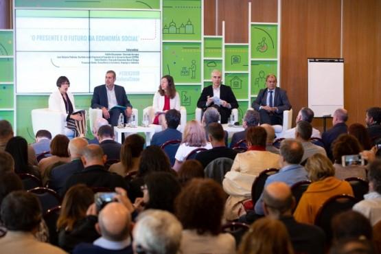 """Conde: """"apostar polo modelo da economía social está permitindo a Galicia conseguir un crecemento sustentable e sostido no tempo"""""""