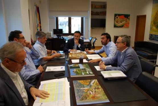 Reunión do conselleiro de Medio Rural co alcalde da Veiga