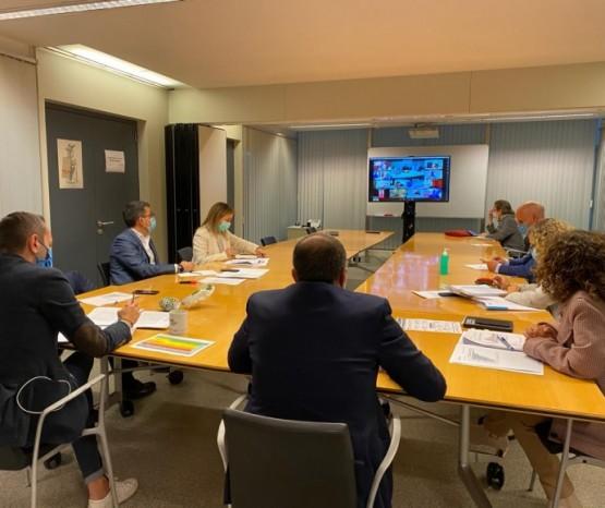 Sanidade establece o nivel 2 en toda Galicia e limita as reunións a un máximo de 5 persoas